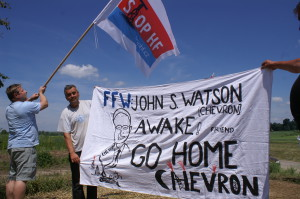 Picture from Poland, Žurawlów. Czech Coalition STOP HF helps poland friends against illegal activity of Chevron.
